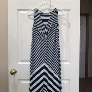 Long Sleeveless Dress by NY Collection